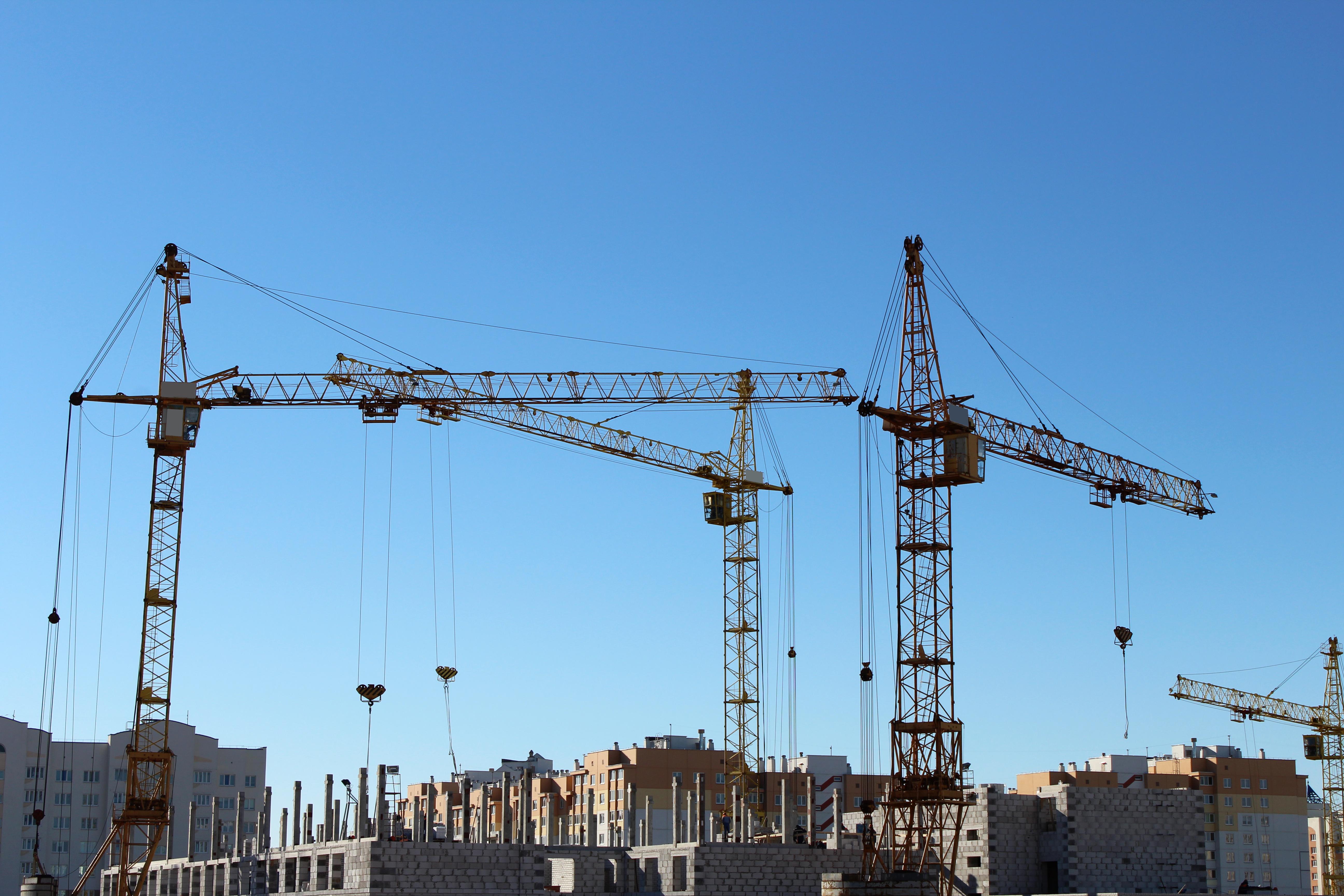 Części żurawia budowlanego w Pres-Kol